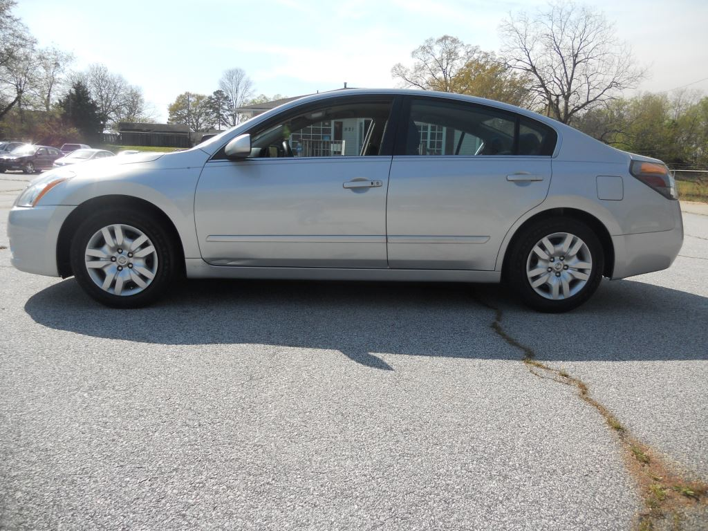 BEATUIFUL 2012 Nissan Altima,