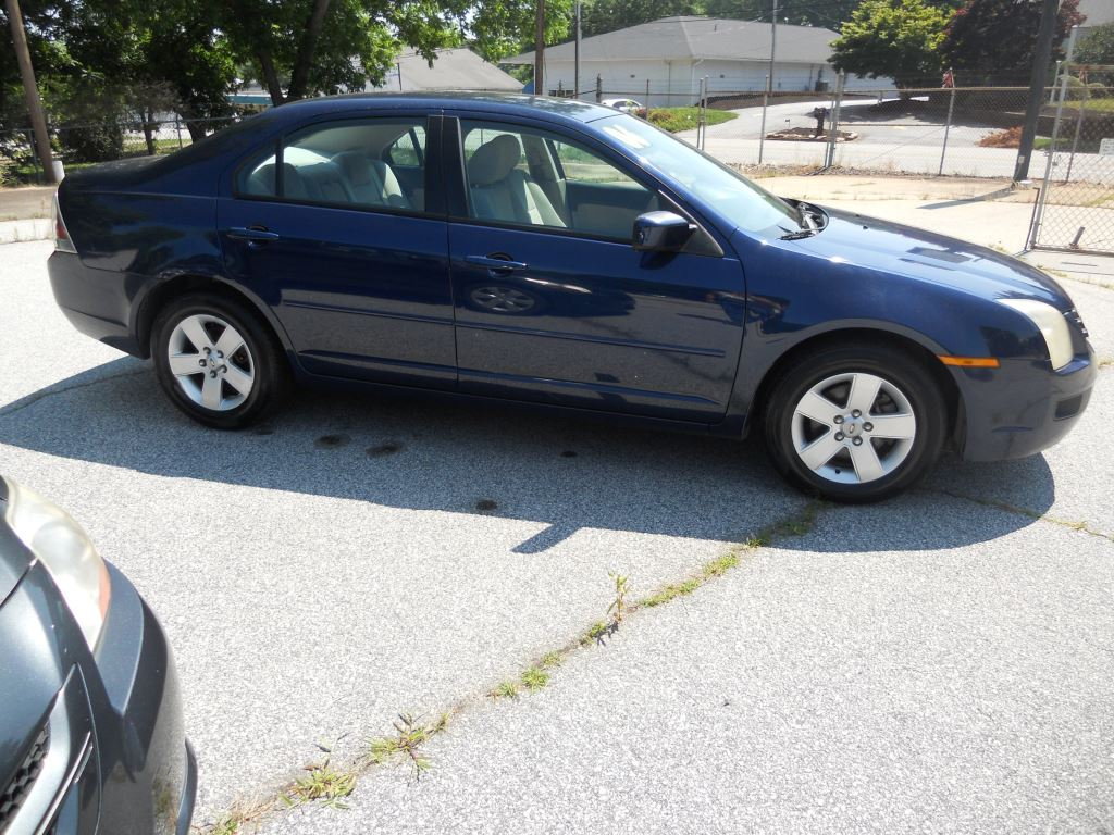 06 Ford Fusion, Automatic, Cold Air, AM/FM CD, NEW TIRES and BRAKES